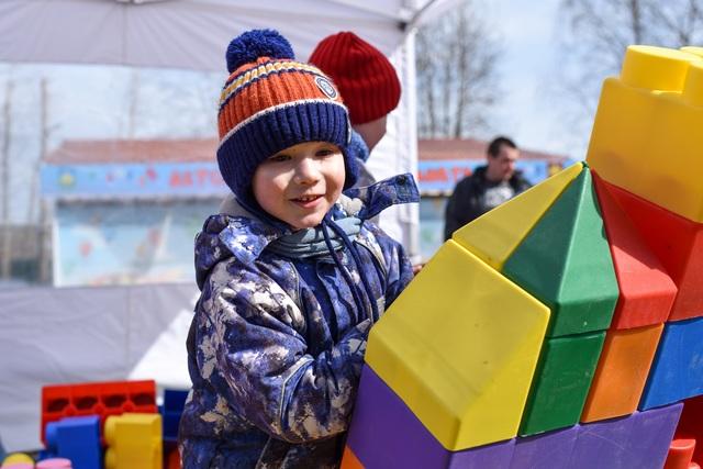 СКАТ на «Пикнике «Маёвка»: маленькие строители, тысячи батареек и главный приз